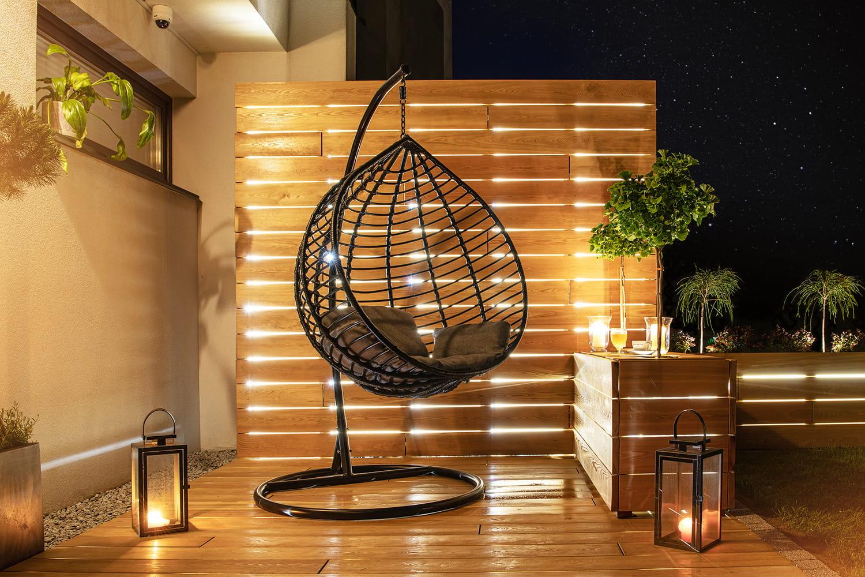 Illuminazione e decking per le tendenze outdoor 2021
