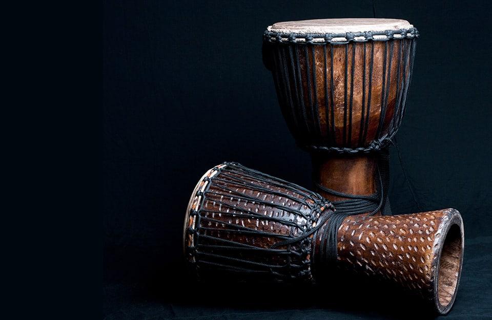 L'iroko viene anche utilizzato per realizzare le tradizionali percussioni chiamate djembe